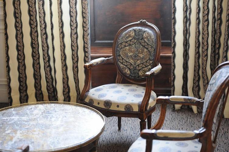 Best Western Continental - Pau - Fauteuils coin salon