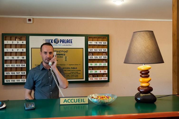 Quick Palace - Pau - Réception