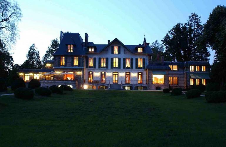 Restaurant Villa Navarre - Pau - extérieur nuit