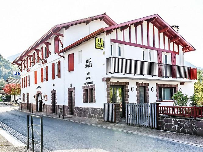 Hôtel restaurant Xoko Goxoa - façade - Saint Michel