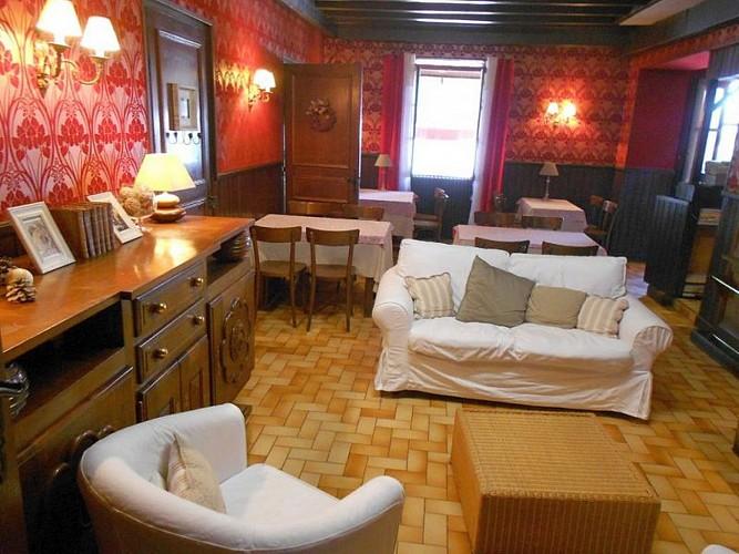 Hôtel Camou - coin salon - Uhart-Cize