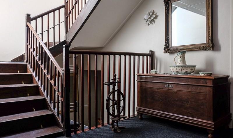 escalier-hotel-piellenia