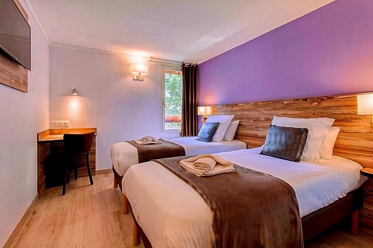 Brit Hôtel - Lons - salle de bains