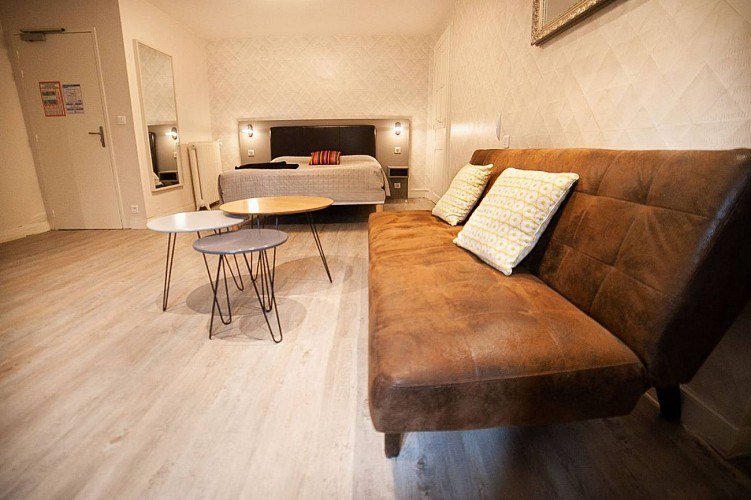 fer-a-cheval---chambre-beige