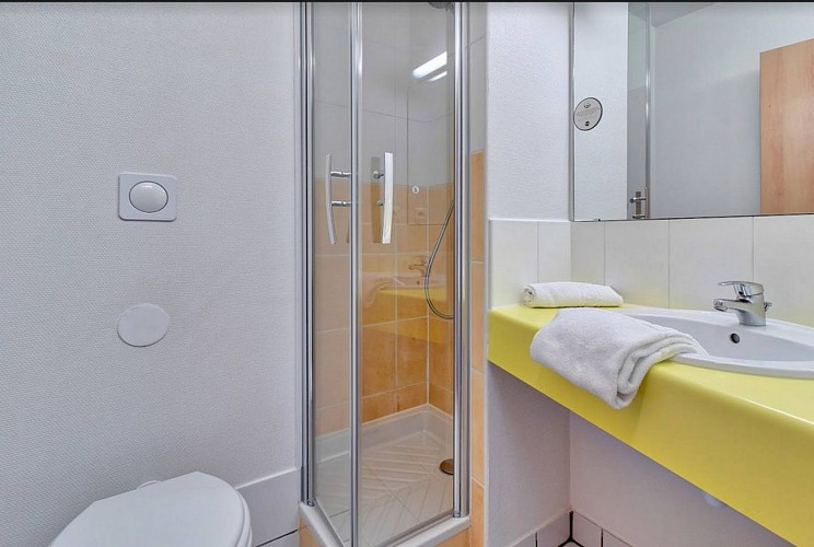 Hôtel B & B - lescar - bain
