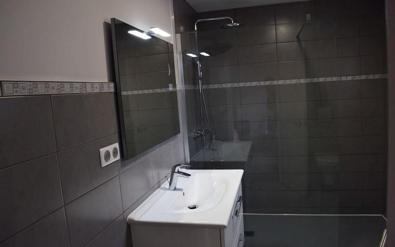 Hotel-Juantorena---Salle-de-douche-2