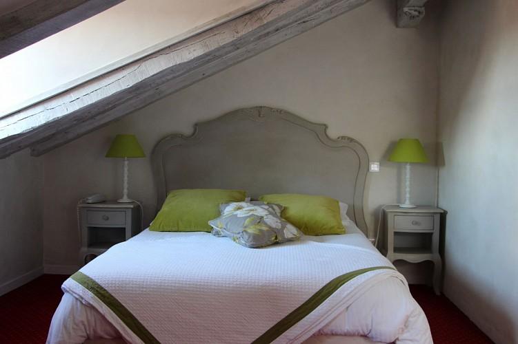 maité_chambregrise_hotel_urrugne