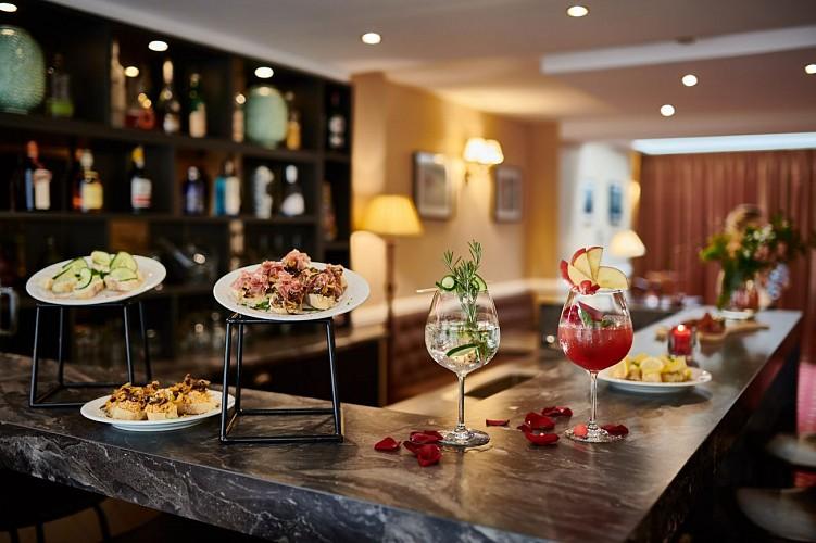 Hotel Georges VI bar