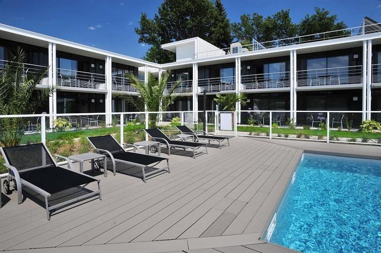 Hôtel Eden Park - Bizanos - Vue extérieure piscine
