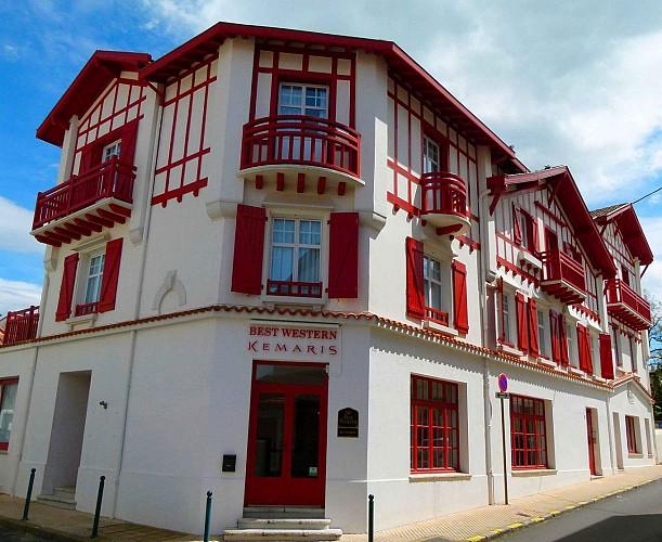B W Kemaris façade