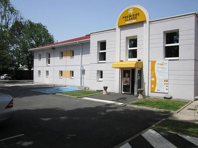 Hôtel Première Classe Pau Bizanos - Façade