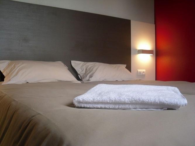 Morlaàs, hôtel  la Hourquie café  terrasse