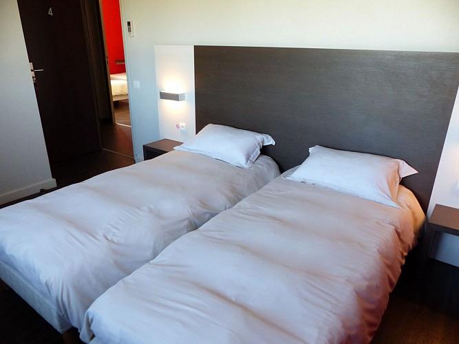 Morlaàs, hôtel  la Hourquie café , salle de bain