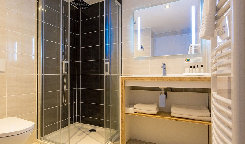 salle-de-bain-hotel-agerria