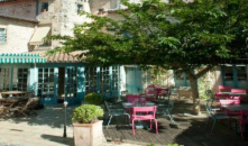 L'Hostellerie de l'Abbaye de Celles-sur-Belle - Terrasse extérieure