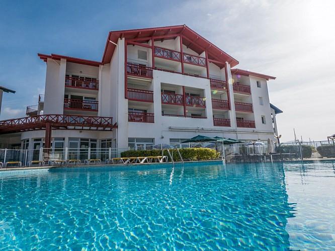 Mer et Golf Sokoburu - exterieurs-piscine