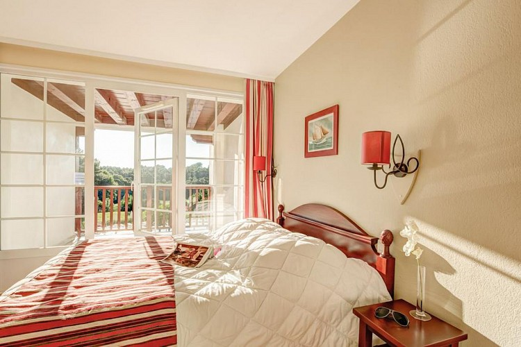 residence-pierre-et-vacances-chambre-biscarrosse