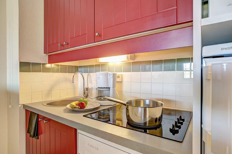 residence-pierre-et-vacances-kitchenette-biscarrosse
