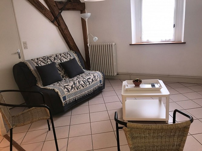 Location-Chevet-1er-etage-Salon