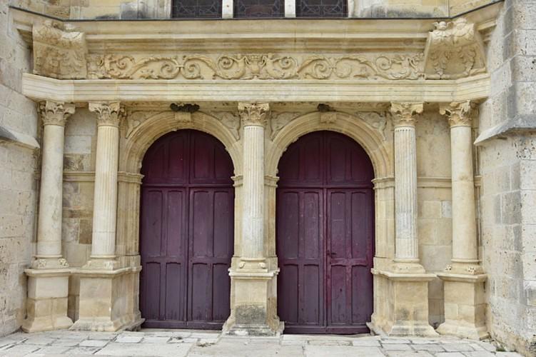Bonny sur Loire - église St Aignan portail renaissance - 3 septembre 2018 - OT Terres de Loire et Canaux - IRémy (31)