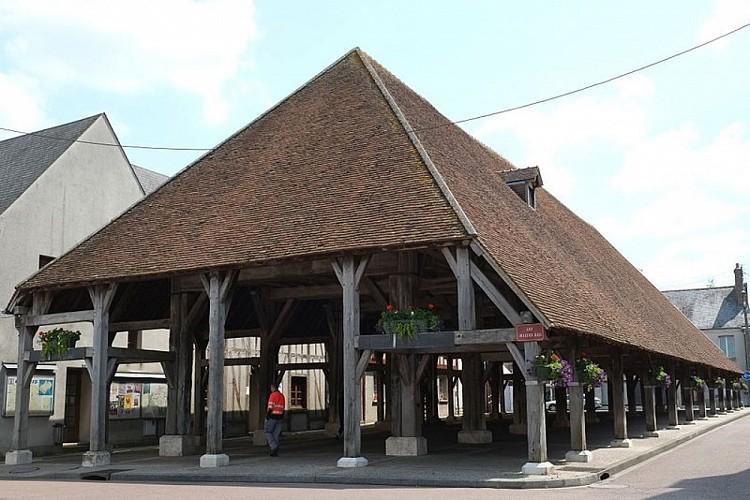 200699-deutsch-markthalle-lorris-departement-loiret-der-region-centre