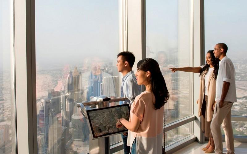 Burj Khalifa: At the Top Sunrise + Breakfast (Level 124 & 125)