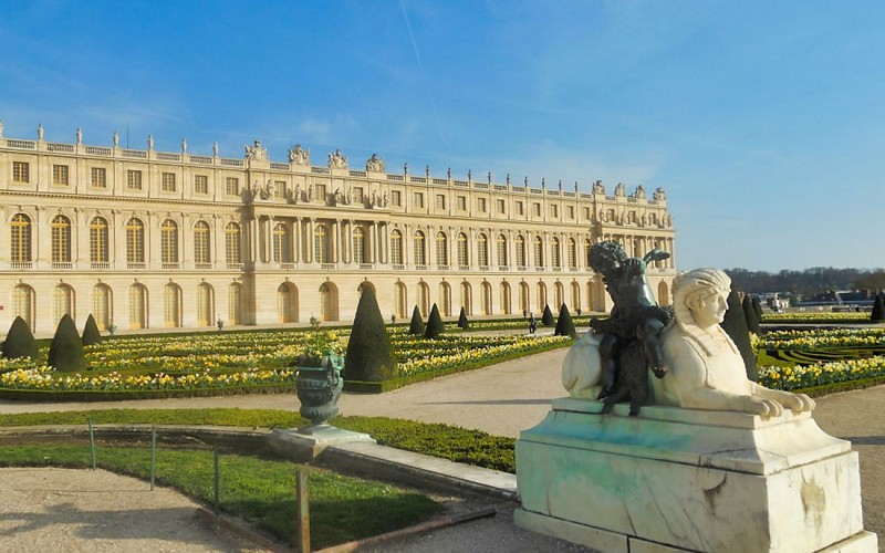 Skip the Line Palace of Versailles by Train from Paris