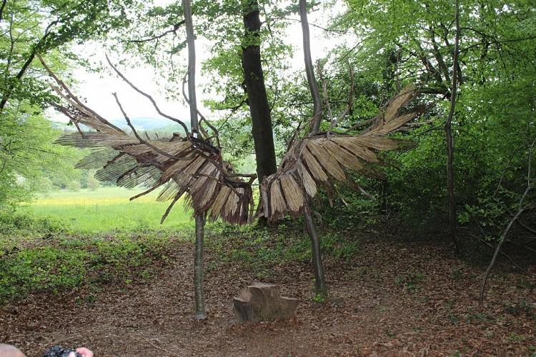 Alis Volat Propiis ou Il vole de ses propres ailes