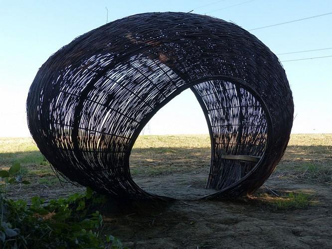 Sentier d'Art - Woven shelter seat
