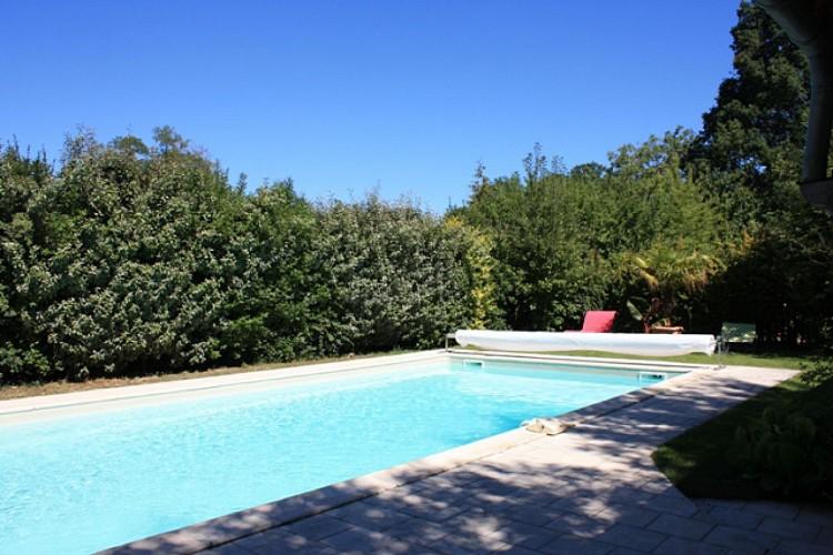 LES-HAUTS-DE-CHAUMONT-RDC salle de bains 1