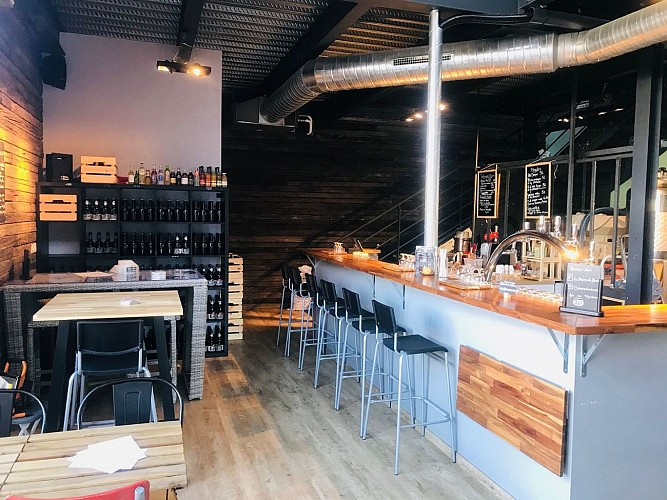 La biere des Dock Biarritz comptoire1