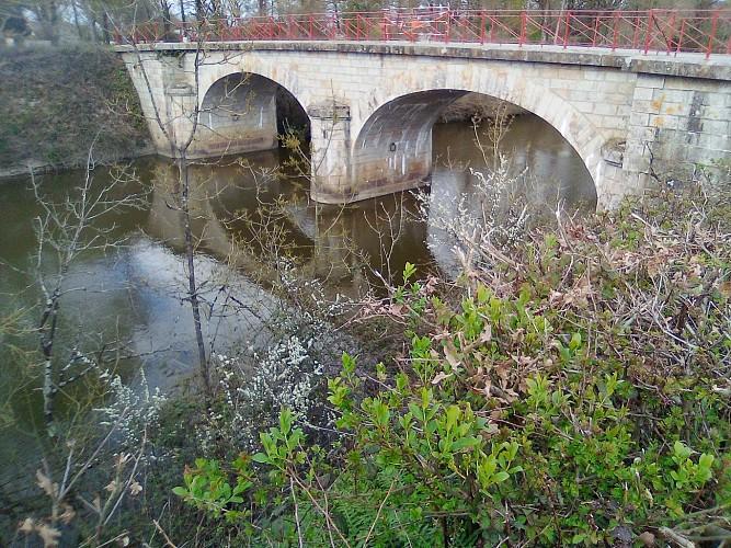 LE CANAL DE BUZAY