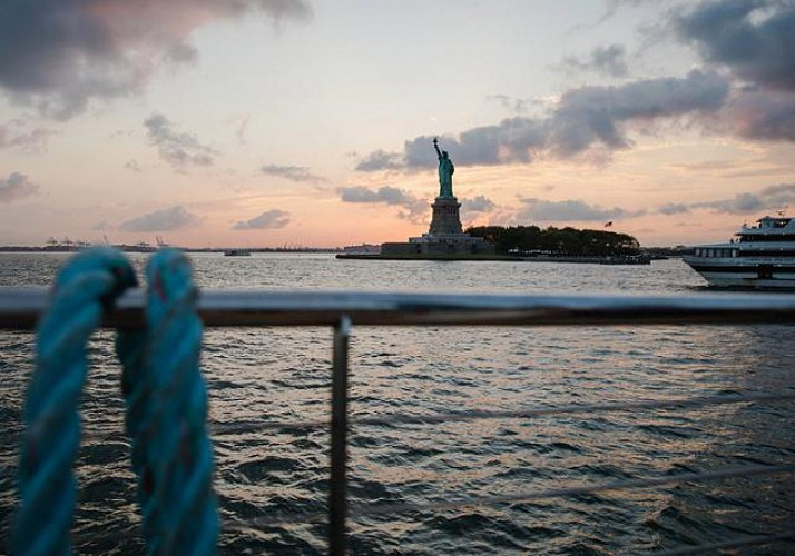 Festive Sunset Cruise with DJ Onboard - New York