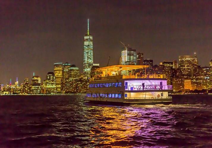Crociera al tramonto con DJ - New York