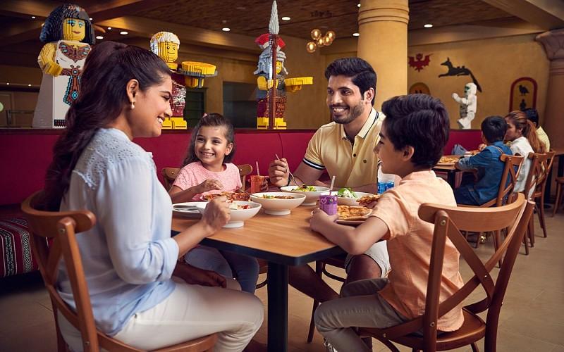 Dubai Parks and Resorts: Park Hopper