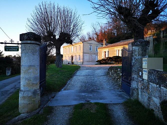 villa-fablion-gite-Bourg-entree