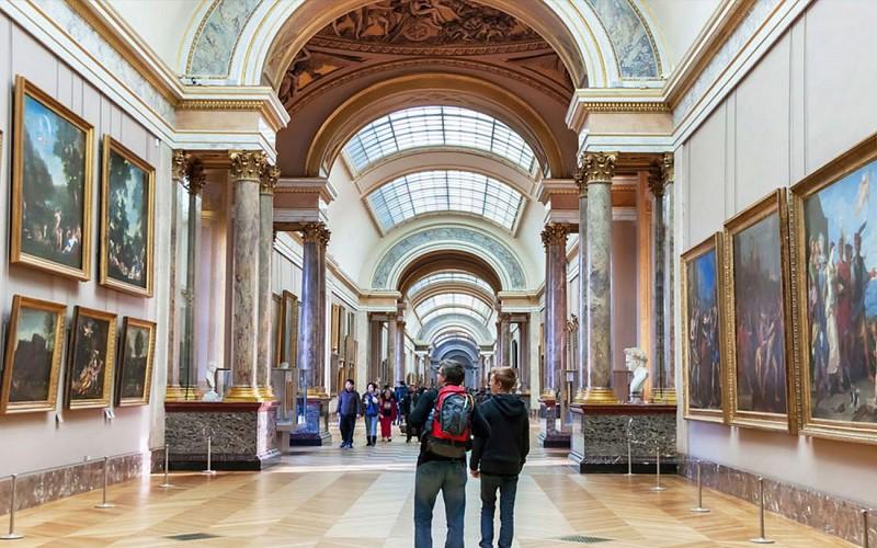 BigBus Paris: 1 or 2 Day Hop-On-Hop-Off Tour + Paris Museum Pass