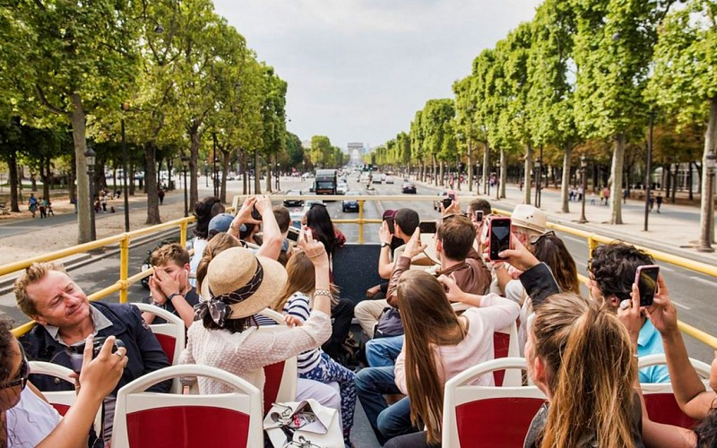 BigBus Paris: 1 or 2 Day Hop-On-Hop-Off Tour + Paris Museum Pass