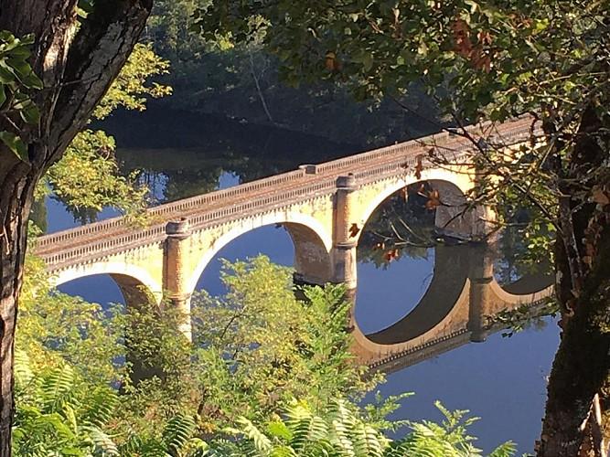 Point de vue sur la rivière Dordogne