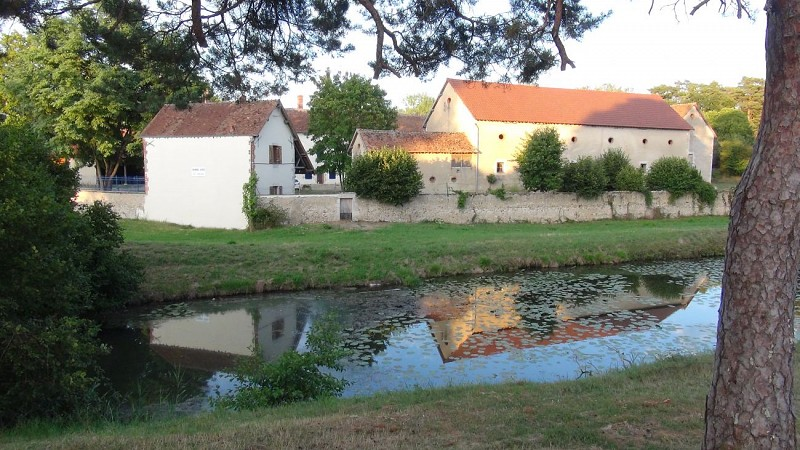 Briare-chambres d'hôtes-depuis-canal