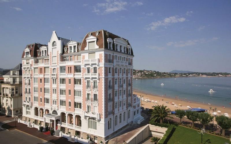 Grand-Hotel-Thalasso---Spa-Saint-Jean-De-Luz-Facade-1440x900