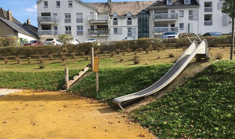 jardin-cherbero-aire-de-jeux-mauleon
