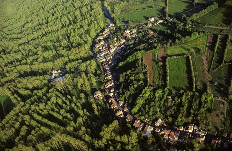 Le village-rue de la Garette à Sansais