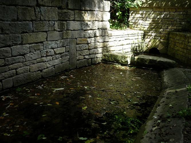 Le lavoir Révérend à Saint-Georges-de-Rex