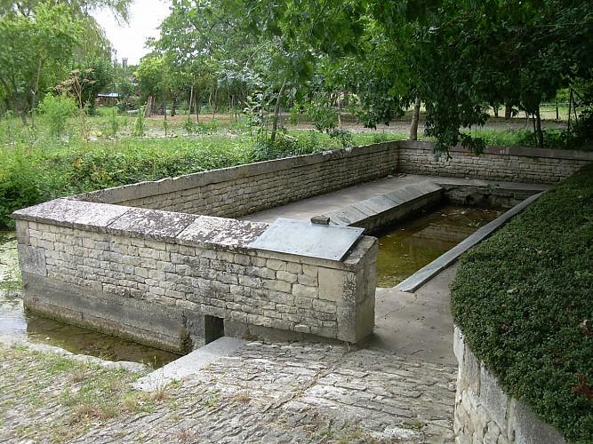 Le lavoir-Abreuvoir de Richebert à Saint-Georges-de-Rex