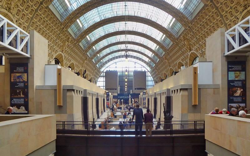 BigBus Paris: Hop-On-Hop-Off Tour + Orsay Museum Tickets
