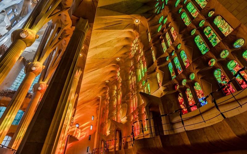 Fast Track Guided Tour of Sagrada Familia