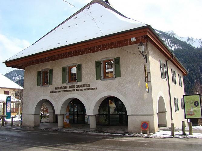 """""""Maison de Soeurs"""" cultural centre"""