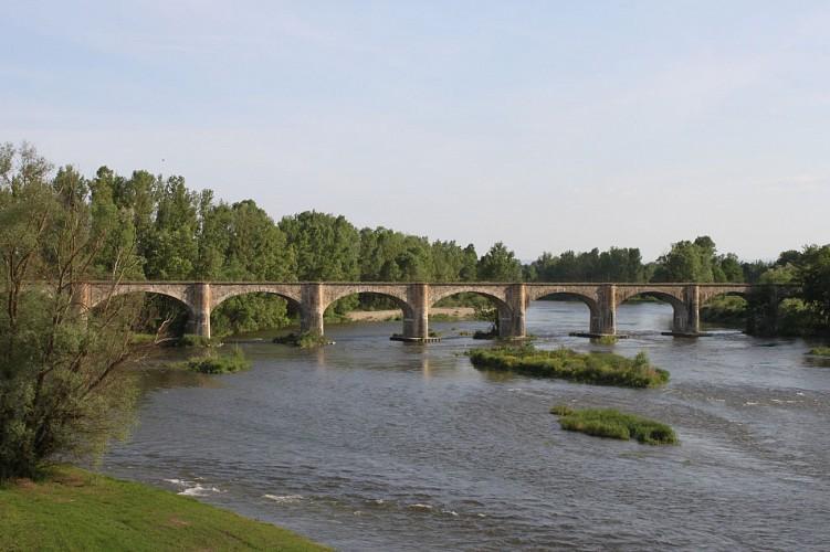 Vue sur le fleuve Loire, du viaduc