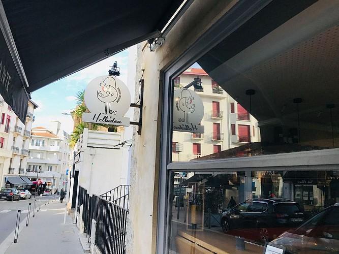 Helbidea-Biarritz-Devanture2